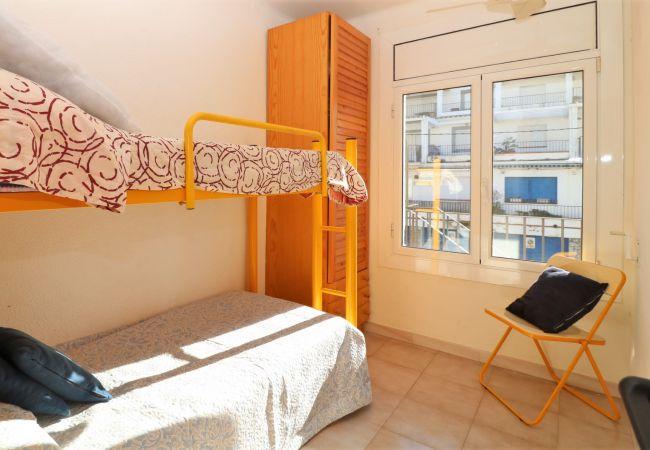 Apartamento en Rosas / Roses - MIRAFLOR - Piso Primera linea de mar, al lado Play