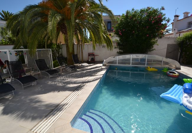Villa in Empuriabrava - ALBERES 78 Casa grande con piscina