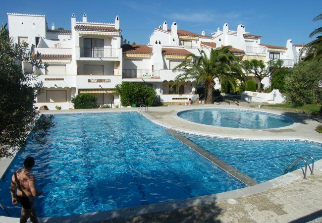 Ferienwohnung in Rosas / Roses - JARDINS I -Piso con piscina a Roses