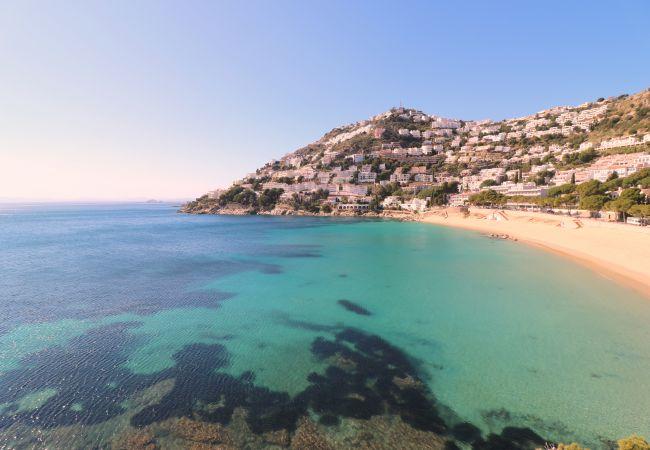 Ferienwohnung in Rosas / Roses - RHODE 2 Piso, 1ª linea de mar, Roses, Free Wi